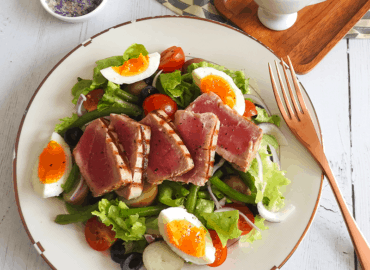 Salad Nicoise Seared Tuna