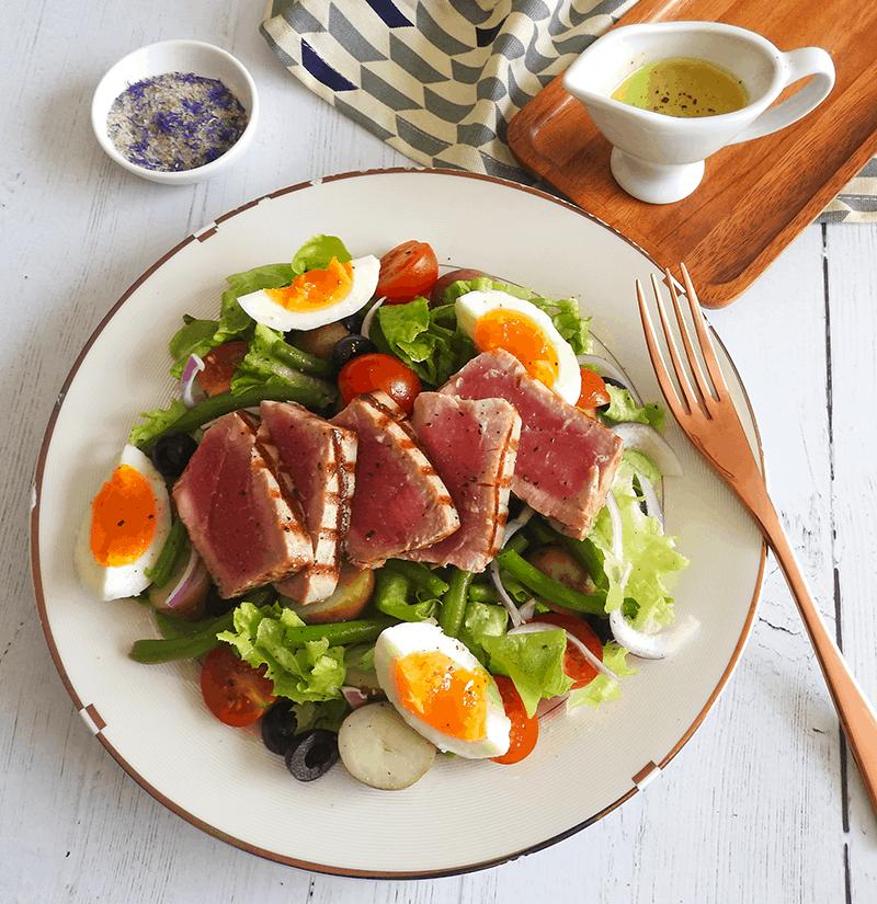Salad Nicoise Seared Tuna