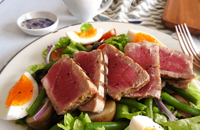 Seared Tuna Salad Niçoise