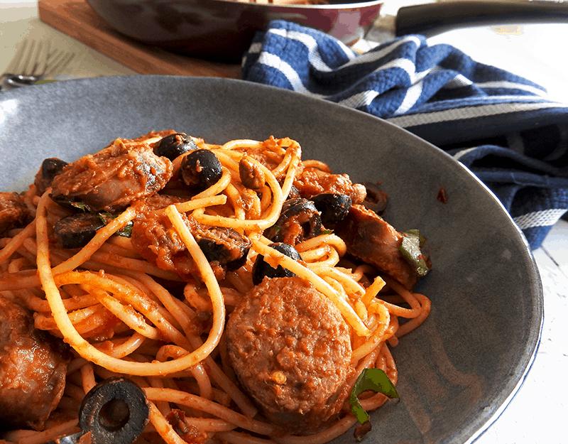 Spaghetti Sausage Puttanesca