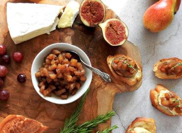 Pear chutney on a platter