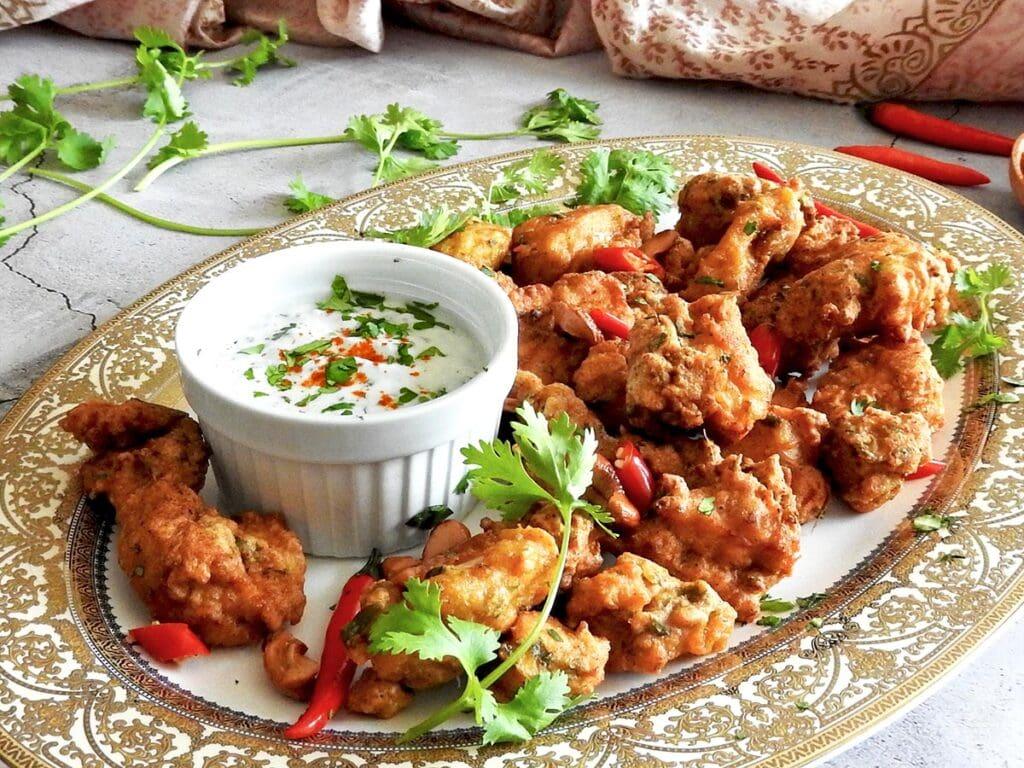 Chicken pakora on a platter