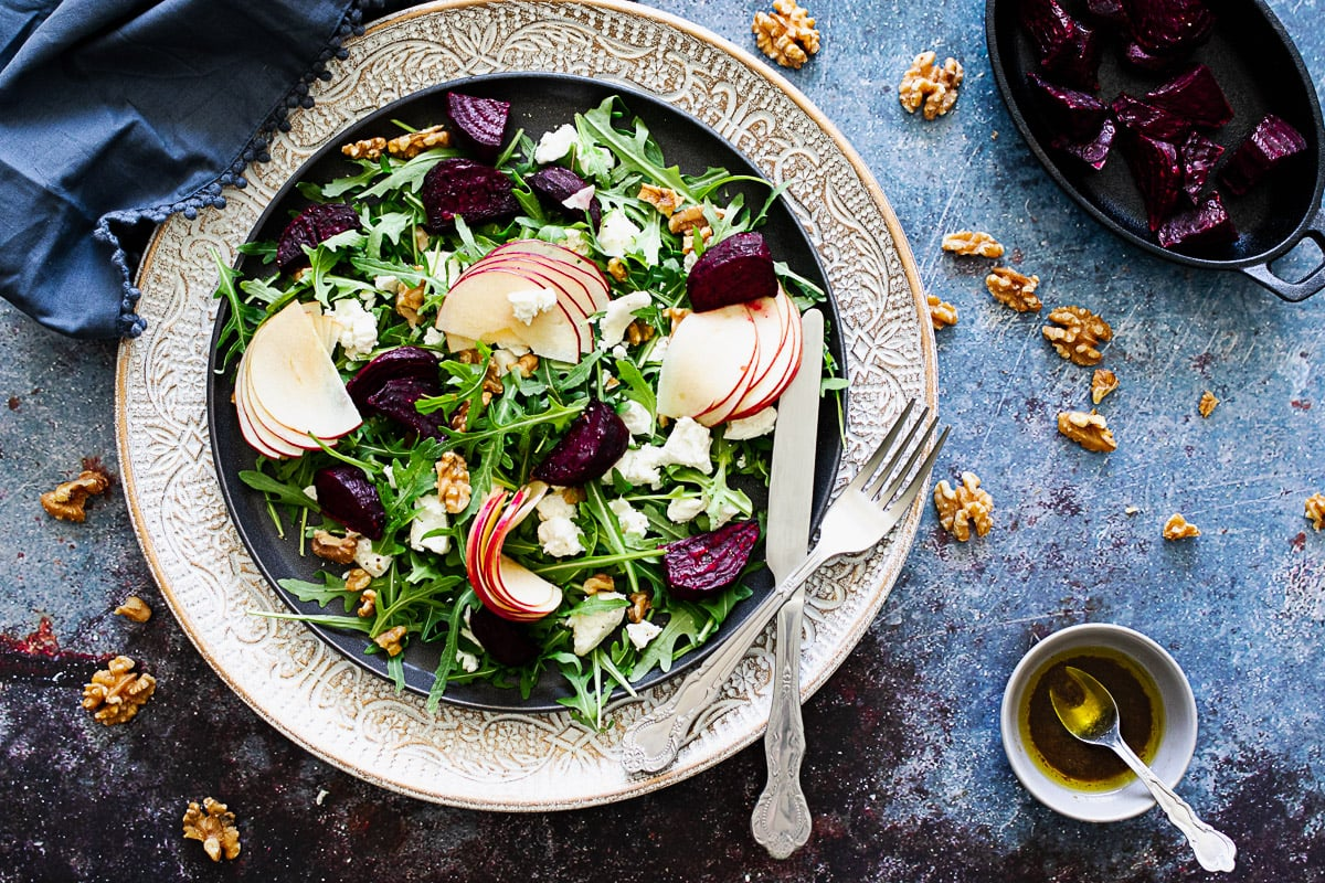 Beetroot and goat's cheese salad with a knife and fork