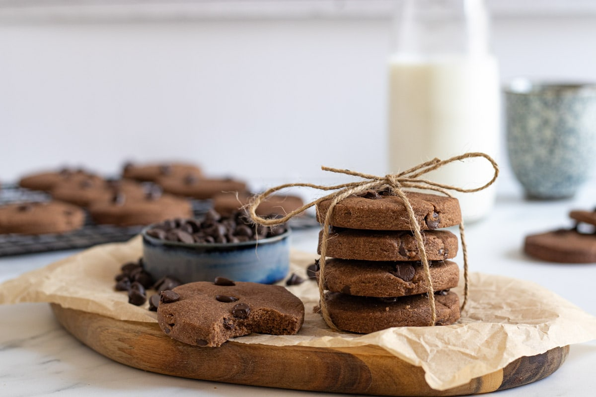 Chocolate shortbreads tied with string